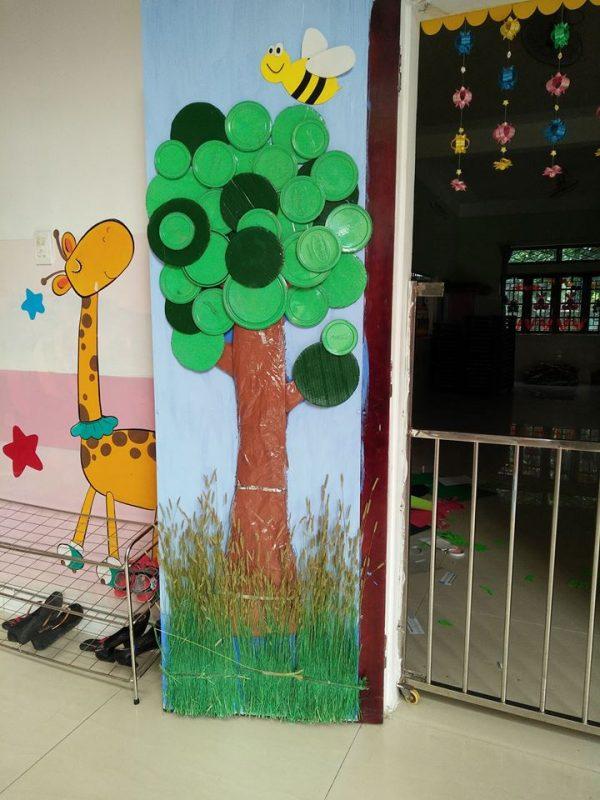 trang trí cửa lớp học mầm non đẹp