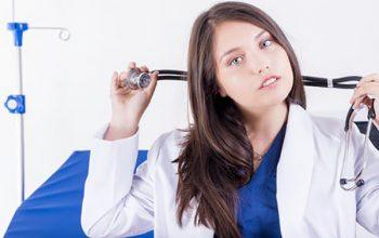 những khó khăn của sinh viên ngành y
